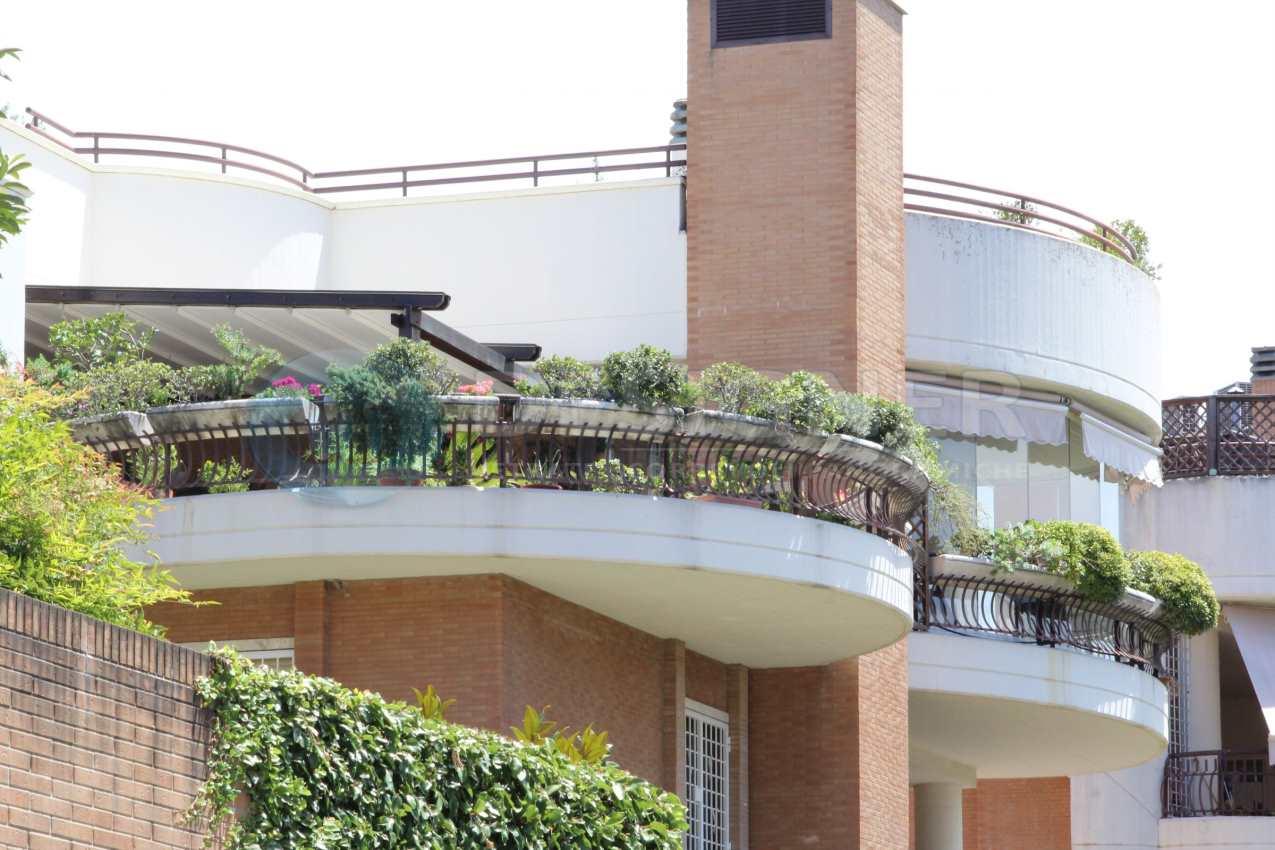 Chiudere un balcone finest come chiudere un balcone fai - Chiudere terrazzo ...